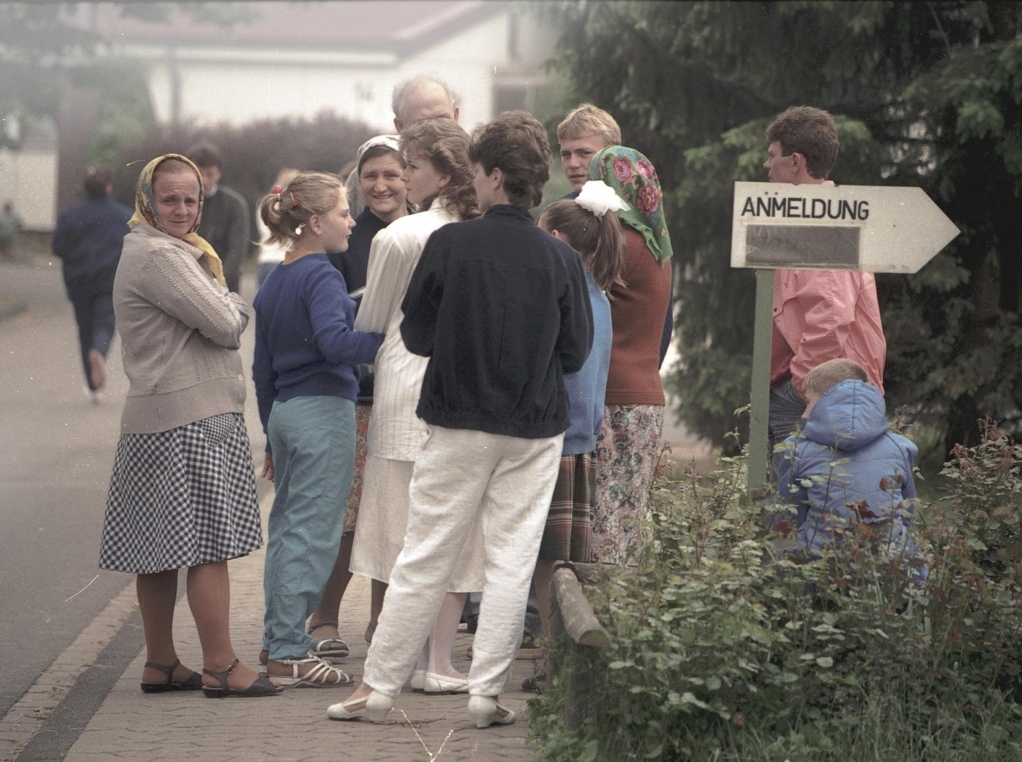 Family from Tajikistan waiting to register, June 1988